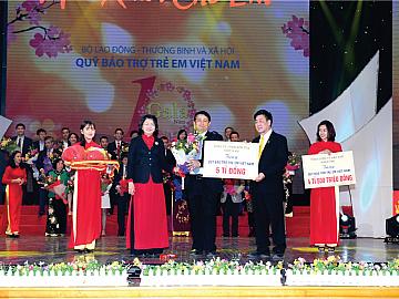 Sơn TOA Việt Nam Vinh Dự Nhận Bằng Khen Của Bộ Trưởng Bộ Lao Động – Thương Binh Và Xã Hội