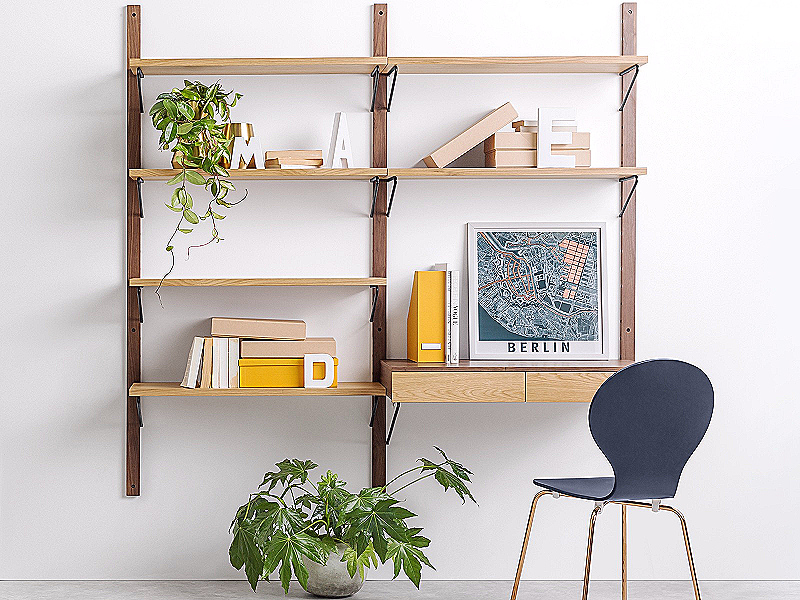 Nên thiết kế kệ gỗ trên tường