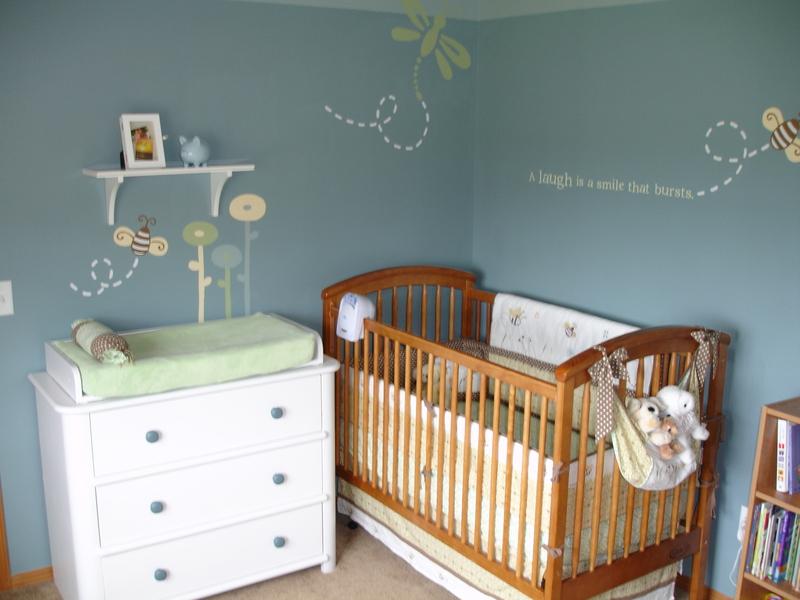 Ứng dụng phong cách tối giản cho giường, cũi của bé