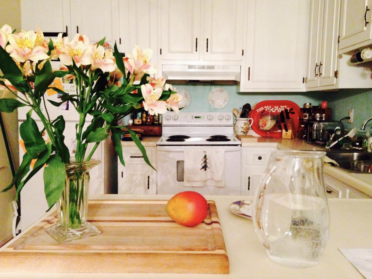 trang trí chậu hoa cho nhà bếp
